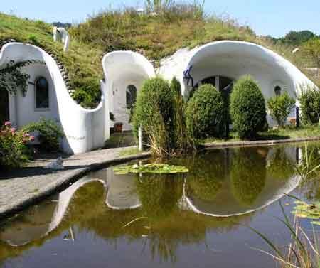 ساختمان Earth house