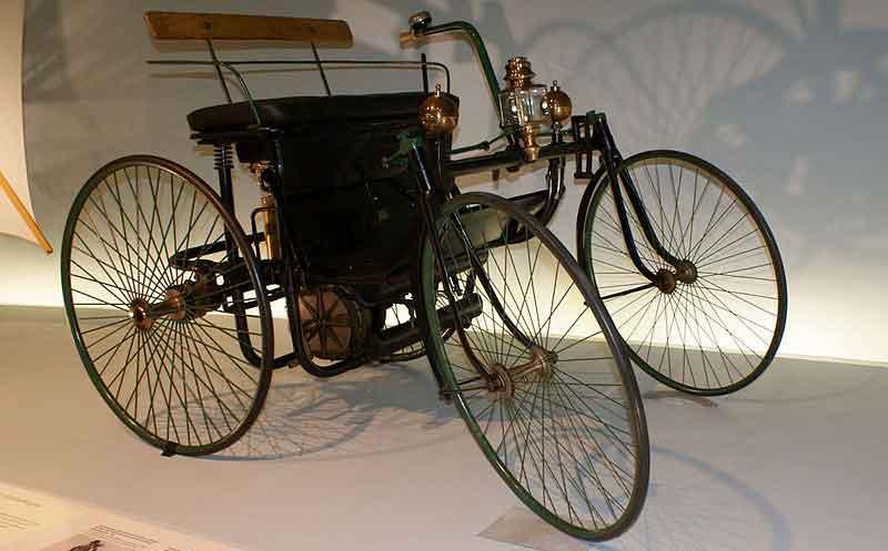 خودرو Daimler-Maybach Stahlradwagen
