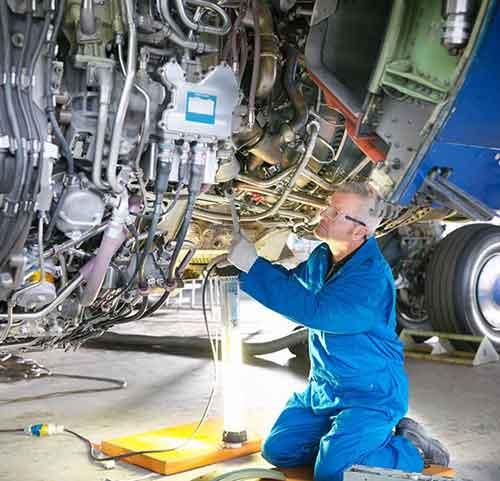 مهندس هوا فضا کانادا