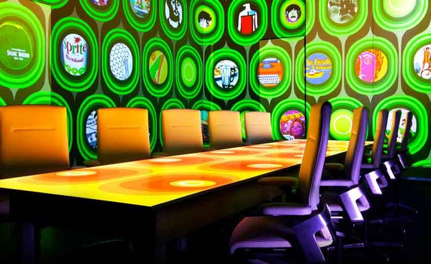 رستوران Ultraviolet